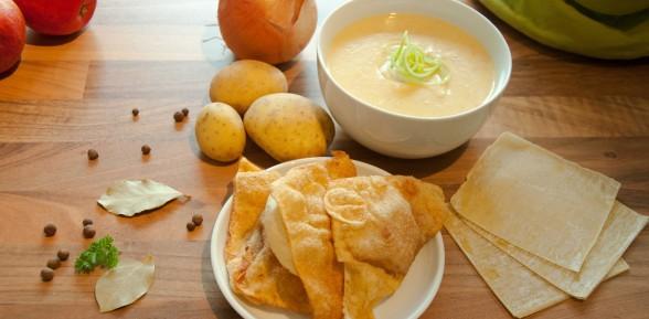 Rhöner Kartoffelsuppe mit knusprigen Leberwursttaschen